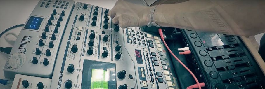 Synthbits: Listen to Dub Cousteau Get Down with the Classic RS7000